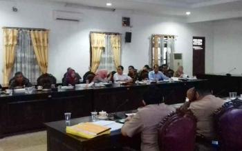 Rapat pembahasan antara Komisi IV DPRD Kotim