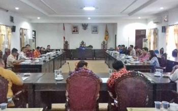 RDP di DPRD Kotim terkait masalah banyaknya karyawan PT BUM tidak didaftarkan di BPJS.