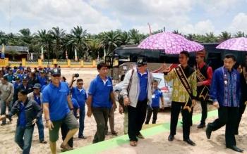 Kontingen pesparawi dari luar daerah tiba di Sematu Jaya, Kabupaten Lamandau
