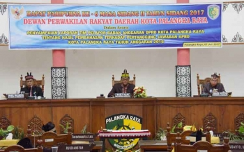 Salah satu kegiatan rutin anggota DPRD adalah rapat paripurna seperti yang dilakukan DPRD Kota Palangka Raya