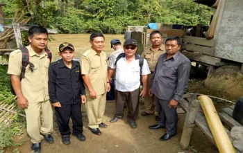 Anggota DPRD Gunung Mas Dapil III saat melakukan reses