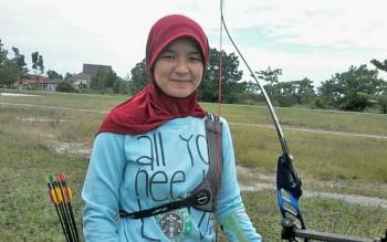 Linda Lestari (23) salah satu atlet panahan yang dimiliki Indonesia ini ternyata warga Kabupaten Katingan.