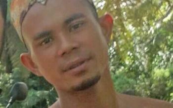 ASP alias I, terduga pembunuh Bidan Dini Prasetyani yang berhasil ditangkap Tim Buser Polres Kobar di Sintang, Kalbar, Minggu (9/9/2017).\\r\\n