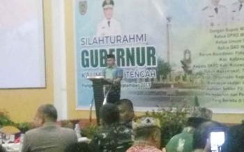Gubernur Kalteng, Sugianto Sabran saat memberikan arahan kepada para pejabat di Pangkalan Bun, Senin (18/9/2017)