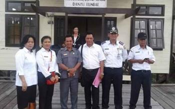 Anggota Komisi A DPRD Kota Palangka Raya, Riduanto (tiga dari kiri) saat melakukan reses baru-baru ini.