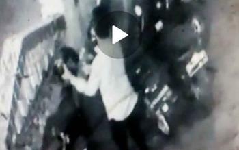 Aksi pencuri yang terekam CCTV di Masjid Al-Ihsan