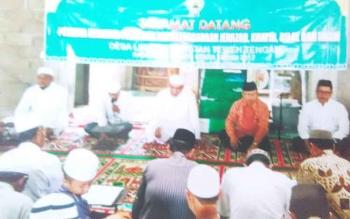 Pengurus Dewan Masjid Indonesia Kabupaten Barito Utara saat menyelenggarakan pelatihan penyelenggaraan jenazah atau fardhu kipayah, khotib, bilal dan imam dibeberapa desa