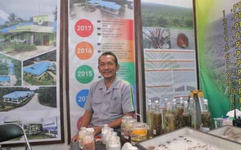 Act. Head Of Sulung Research Station (SRS) CBI Group Fizrul Indra Lubis saat ditemui Borneonews di area stand CBI Group, Lamandau Expo 2017, Rabu (20/9/2017).