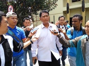 Direktur Reserse Kriminal Umum Polda Kalteng, Kombes Pol Ignatius Agung Prasetyoko memberikan keterangan kepada wartawan.