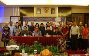 Ketua DPRD Bartim Broelalano, Wakil Ketua Ariantho S Muller, dan anggota DPRD Bartim lainnya foto bersama narasumber dari Kemendagri usai mengikuti bimtek penyusunan Perubahan APBD 2017 dan APBD 2018, baru-baru tadi di Lombok, Nusa Tenggara Barat.