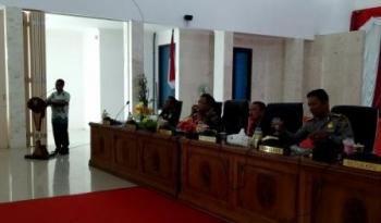 Ketua KPU Sukamara, M Saleh kegiatan rapat koordinasi di Aula Pemkab Sukamara, Jumat (22/9/2017).