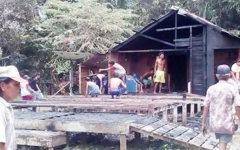 Rumah warga didesa Kayumban hangus terbakar