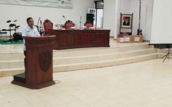 Sekda Barito Utara Jainal Abidin saat membuka seminar Business Development Services di Gedung Balai Antang, Muara Teweh, Rabu (2/9/2017).