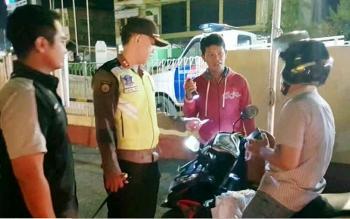 Kapolres Barito Utara AKBP Tato Pamungkas Suyono memantau razia K2YD, Kamis (28/9/2017).