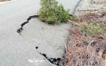 Titik di ruas Kuala Kurun-Tumbang Miwan yang rusak karena tergerus air