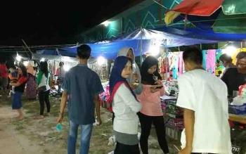 Pasar rakyat di area FSQ Katingan.