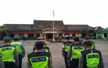 Kapolres Barito Utara AKBP Tato Pamungkas Suyono saat memimpin upacara memperingati Hari Kesaktian Pancasila