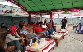 Ketua Komite Olahraga Nasional Indonesia (KONI) Kabupaten Kotawaringin Timur, Halikinnor saat memberikan sambutan