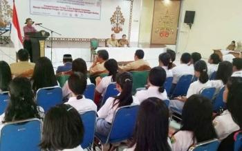Direktur Eksekutif PKBI Kalteng Mirhan menyampaikan sambutan saat pembukaan kegiatan sosialisasi cegah stunting dan demo pengolahan pangan lokal sebagai sebagai salah satu upaya pencegahan stunting
