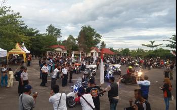 Ratusan peserta Borneo Island International Bike Festival dan Kalimantan Bike Week 2017 saat berkumpul di halaman belakang Kantor Dinas Perhubungan (Dishub) beberapa waktu lalu.