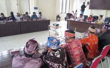 Polres Palangka Raya melakukan pertemuan dengan mantir adat, Jumat (5/10/2017)