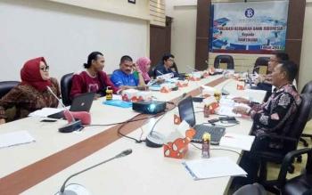 Kegiatan siaran pers bulanan di Huma Hapakat, Kantor BI Kalteng, Jumat (6/10/2017)