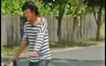 Pria yang mabuk dan membuat geger warga Jalan Kopi Selatan.