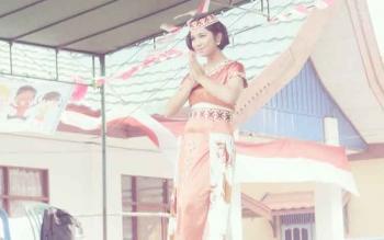 Assa Watari Joan Putri Pariwisata Barsel yang mengikuti pemilihan Duta Wisata Di Kupang NTT