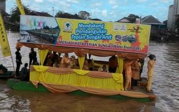 Partisipasi Partai Golkar di Festival Batang Arut.