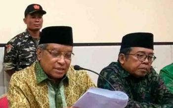Ketua Umum PBNU KH Said Aqil Siradj (kiri).