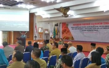 Pimpinan rombongan saat menyampaikan maksud kedatangan peserta didik Lemhanas ke-Kalteng ketika bertemu Gubernur Sugianto Sabran di Aula Jayang Tingang, Senin (9/10/2017).