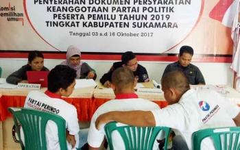 Partai Peribdo saat mendaftar dan mengantar berkas di Kantor KPU Sukamara.