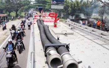 Arus lalu lintas di Jalan Tjilik Riwut, Kota Palangka Raya, sempat macet akibat ada musibah kebakaran di Km 11,5, Selasa (10/9/2017).