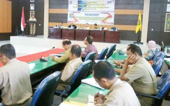 Suasana rapat paripurna I penguatan sistem inovasi daerah (PSWDa) di Aula Bappelitbang, Selasa (10/10/2017).