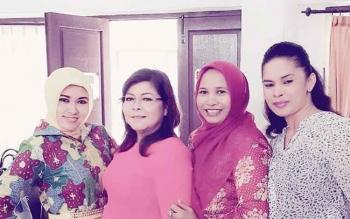 Anggota Komisi C DPRD Kota Palangka Raya, Umi Mastikah (kiri) bersama anggota dewan lainnya.
