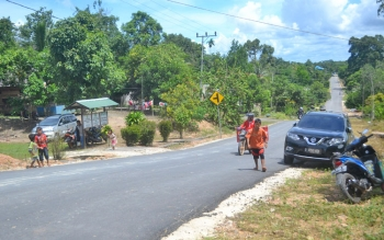Jalan di Kecamatan Balai Riam.