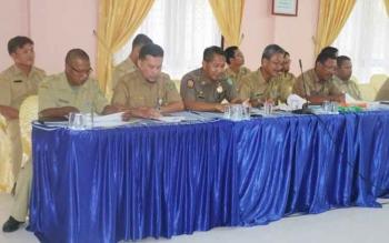 Pejabat di Kabupaten Sukamara saat mengikuti kegiatan di Bapedda Sukamara.