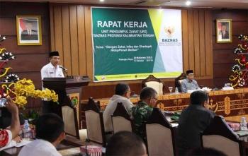Asisten III Setda Bidang Administrasi Umum, I Kethut Widhie Wirawan mewakili Gubernur Kalteng dalam Raker Baznas Kalteng yang berakhir, Rabu (11/10/2017) sore