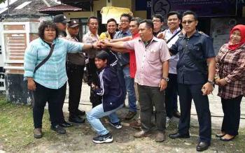 Keakraban antara insan pers yang tergabung di PWI Kotim bersama jajaran polres setempat.