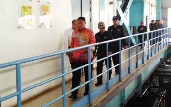 Bupati saat mendampingi rombongan SSDN PPSA XXI Lemhannas RI yang berkunjung di PLTU Pulang Pisau.