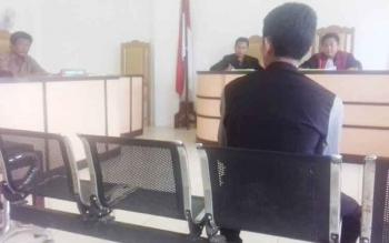 Sidang praperadilan masalah miras terhadap Bea Cukai Sampit dengan agenda memeriksa saksi.