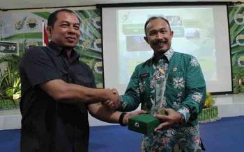 Ketua Rombongan SSDN PPSA XXI Lemhanas RI, Mayjen TNI Achmad Yuliarto (kanan), bersama Direktur Sustainability and Compliance BGA Group, Hadi Fauzan.