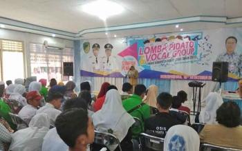 Memperingati Hari Sumpah Pemuda ke-89, Dinas Kebudayaan Pariwisata Kepemudaan dan Olahraga Kabupaten Barito Utara menggelar lomba pidato dan vokal grup, Senin (16/10/2017).