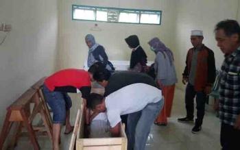 Jenazah korban Nur Fitri saat berada di kamar mayat RSUD dr Murjani Sampit.