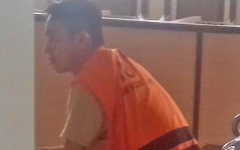 M Yunus terdakwa sabu saat jalani sidang.