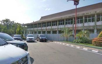 Pembangunan bagian kantor Gubernur Kalteng yang pernah terbakar.