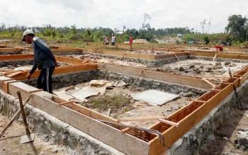 Pembangunan perumahan relokasi mulai dilakukan.