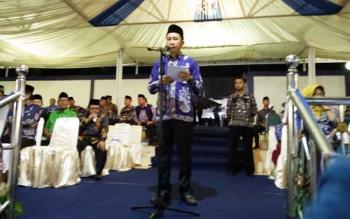 Bupati Barito Utara, H Nadalsyah saat membacakan sambutan Gubernur Kalimantan Tengah pada acara penutupan FSQ ke VI tingkat provinsi Kalimantan Tengah tahun 2017.