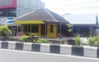Tanah dan bangunan rumah di Jalan Ahmad Yani Sampit yang tengah berpolemik antara Setia Wijaya alias Yoyong dengan Fakhrudin Cs.