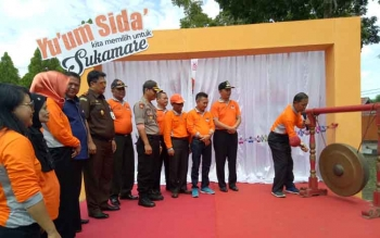 Pemukulan Gong ditandakannya launching Pilakda di Kabupaten Sukamara.